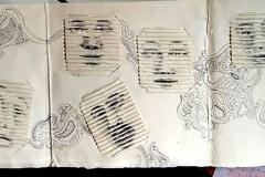 Visillos-collage-y-lapiz-sobre-papel-hecho-a-mano-deteriorado.